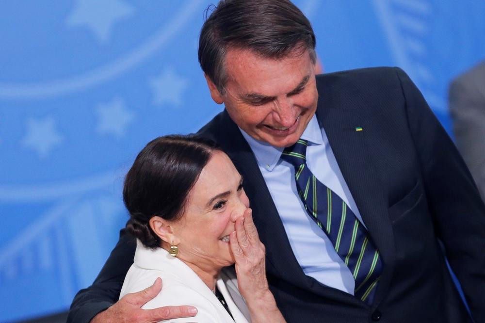 Regina Duarte deixa comando da secretaria de Cultura do governo Bolsonaro