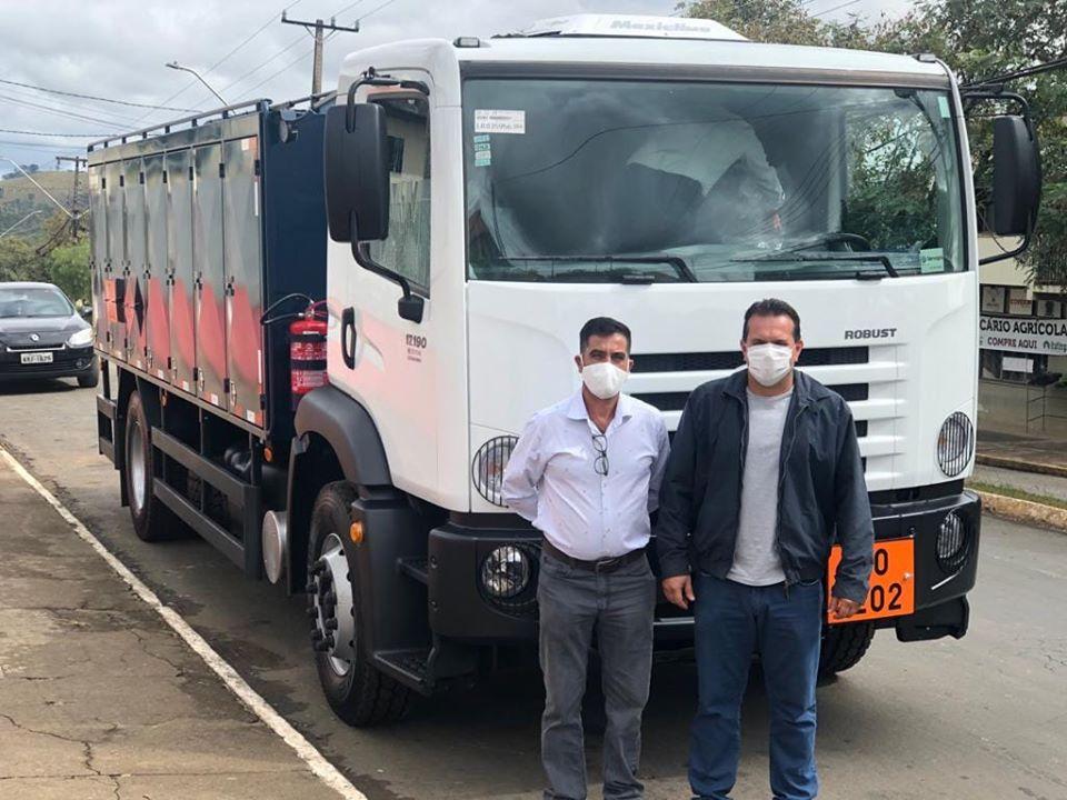 SAPOPEMA: Prefeitura recebe caminhão comboio