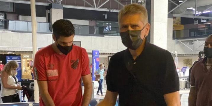 Athletico, de Paulo Autuori (foto), busca a vaga nas quartas de final da Libertadores. (Monique Vilela/Banda B)